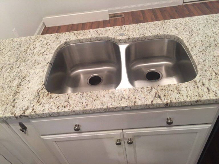 White Ornamental Granite Kitchen Countertops With 60-40 Stainless Sink
