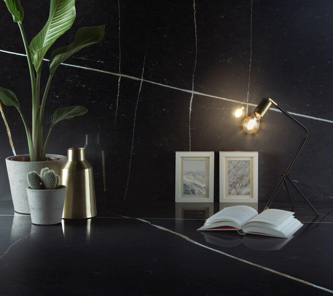 Et Noir Quartz study room example by Silestone